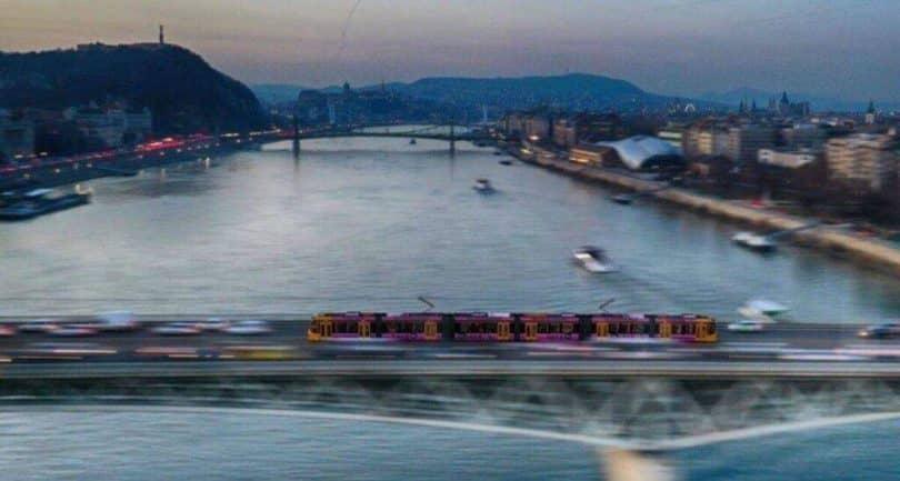 Petőfi-híd villamos